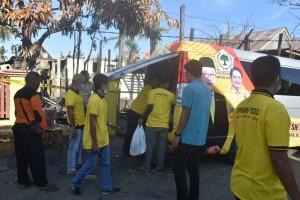 Prihatin,  Supriansa Kerahkan Timnya Bantu Korban Kebakaran di Wajo