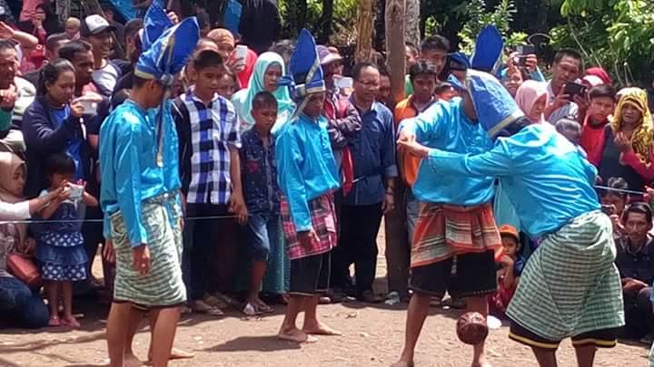 Warga Tampaning Rayakan Pesta Adat Pattaungeng
