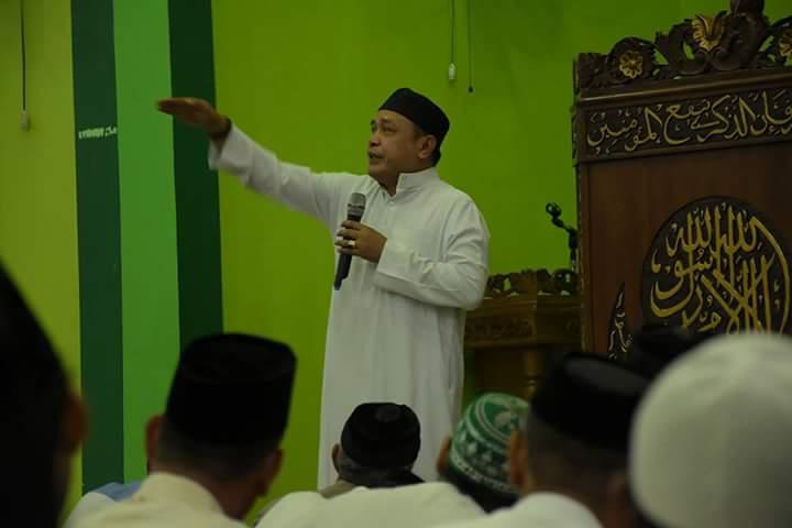 Ketika Wakil Bupati Soppeng Tampil Menjadi Imam Sholat Magrib