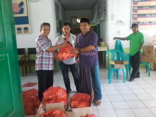 Alumni SMAN 200/1 Watansoppeng Peduli Korban Banjir