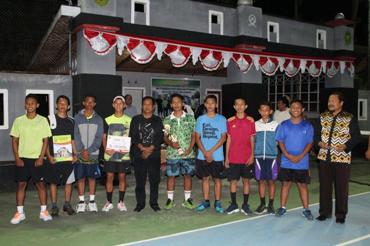 Bupati Soppeng Tutup Turnamen Tenis Antar Klub