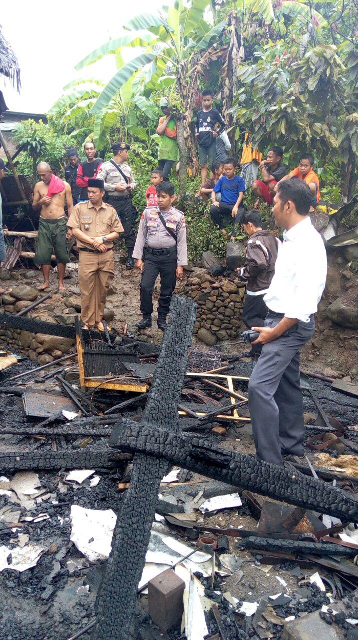 Kebakaran Di Lagoci, Rumah Panggung Milik Suriaman Ludes Terbakar