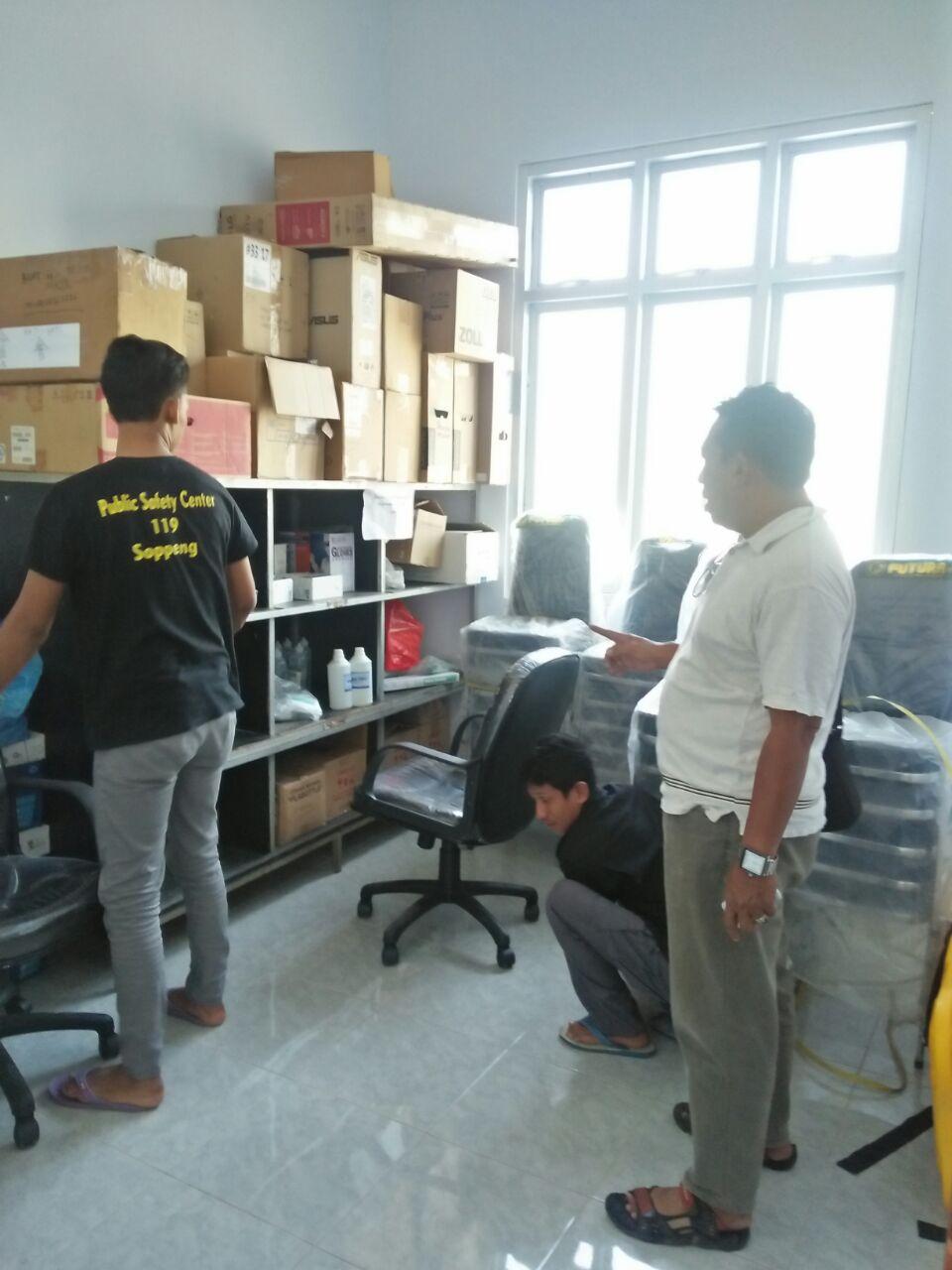 Siap Pindah Ke Kantor Baru, Personil PSC 119 Bersih Bersih