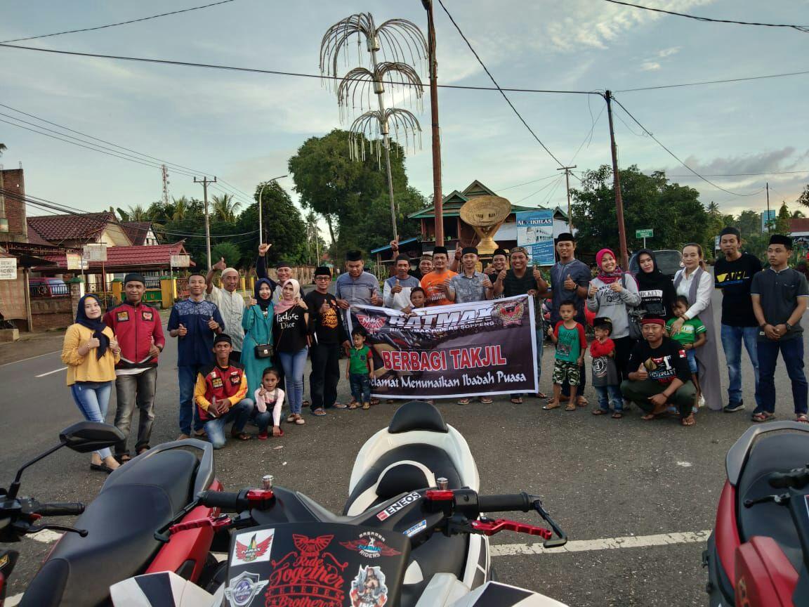 BATMAX Riders Soppeng Berbagi Takjil Di Empat Kecamatan