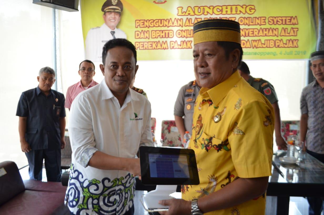 Tingkatkan Penerimaan Pajak, Pemkab Soppeng Launching Penggunaan Alat Payment Online Sistem
