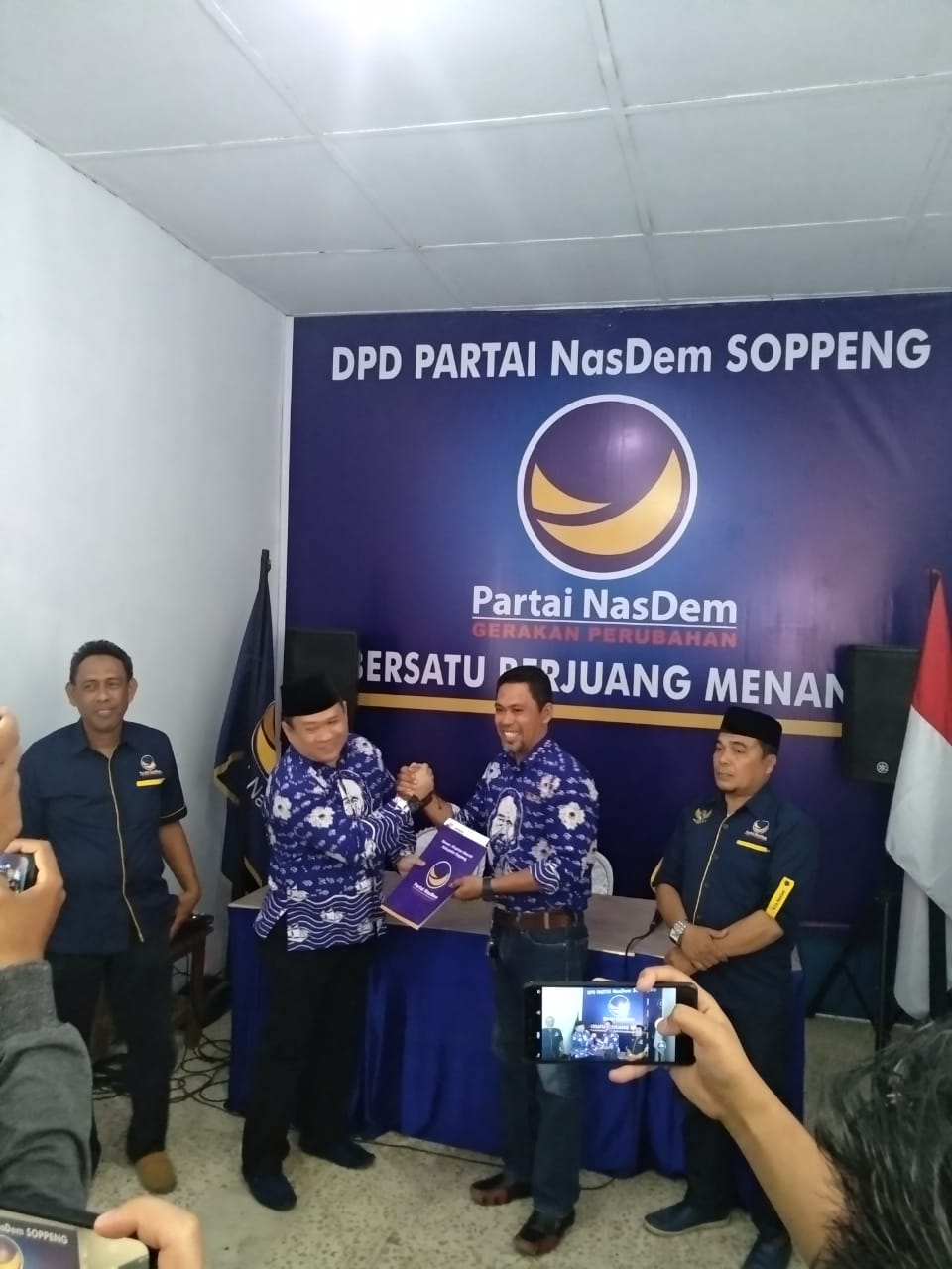 A Zulkarnaen Daftar Di Nasdem, 'Isyarat' LHD Batal Bertarung Di Pilkada Soppeng