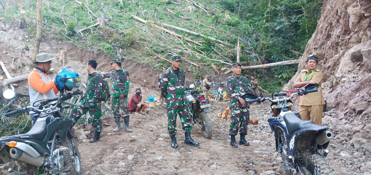 Rintis Jalan Tembus,Kucuran Keringat Para Tentara Tumbuhkan Harapan Di Desa BuluE