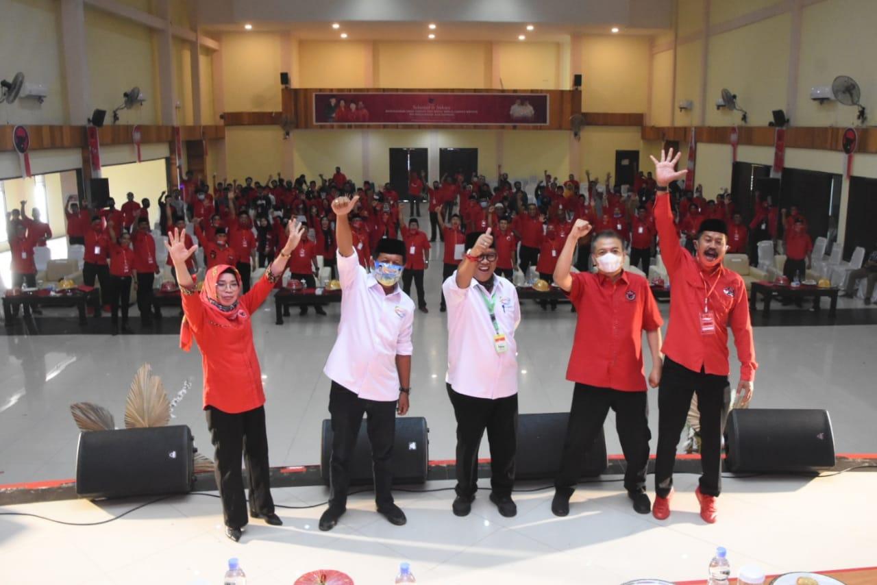 Aura Kemenangan AKAR-LHD Terpancar di Rakercabsus PDIP Soppeng