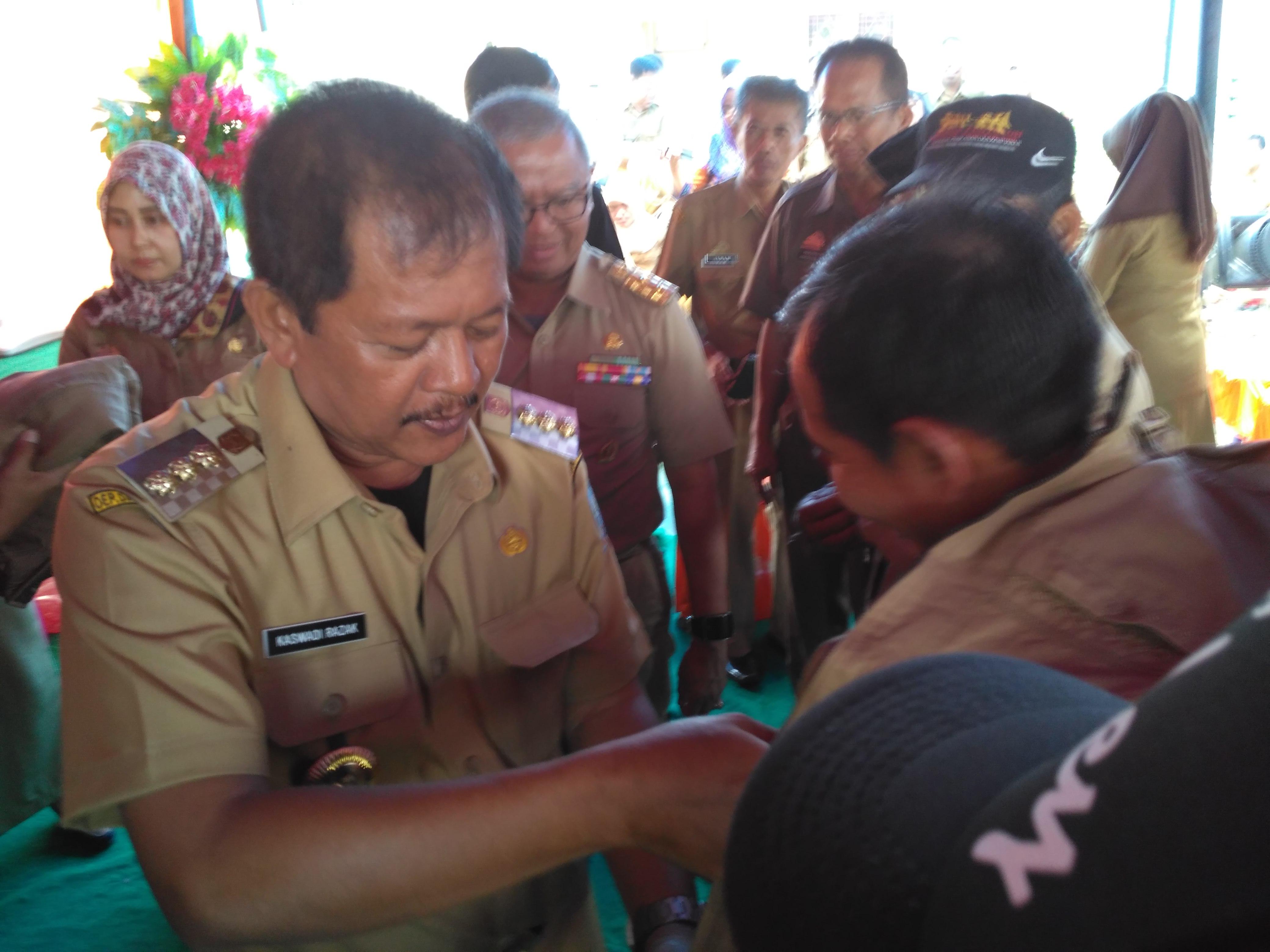Kaswadi : 2017, Tidak Ada lagi Jalan berlubang Di Soppeng
