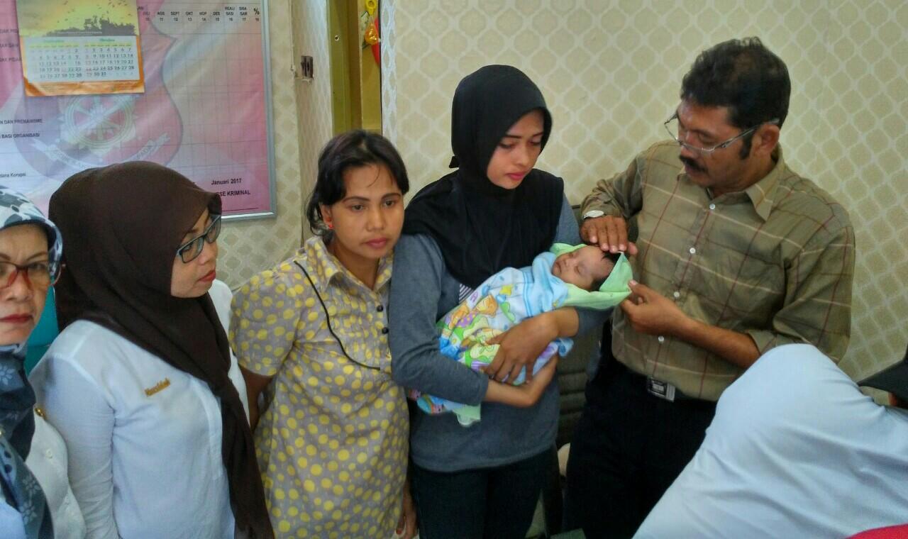 Jajakan Bayinya Rp. 3,5 Juta, Erna Diringkus Polres Soppeng