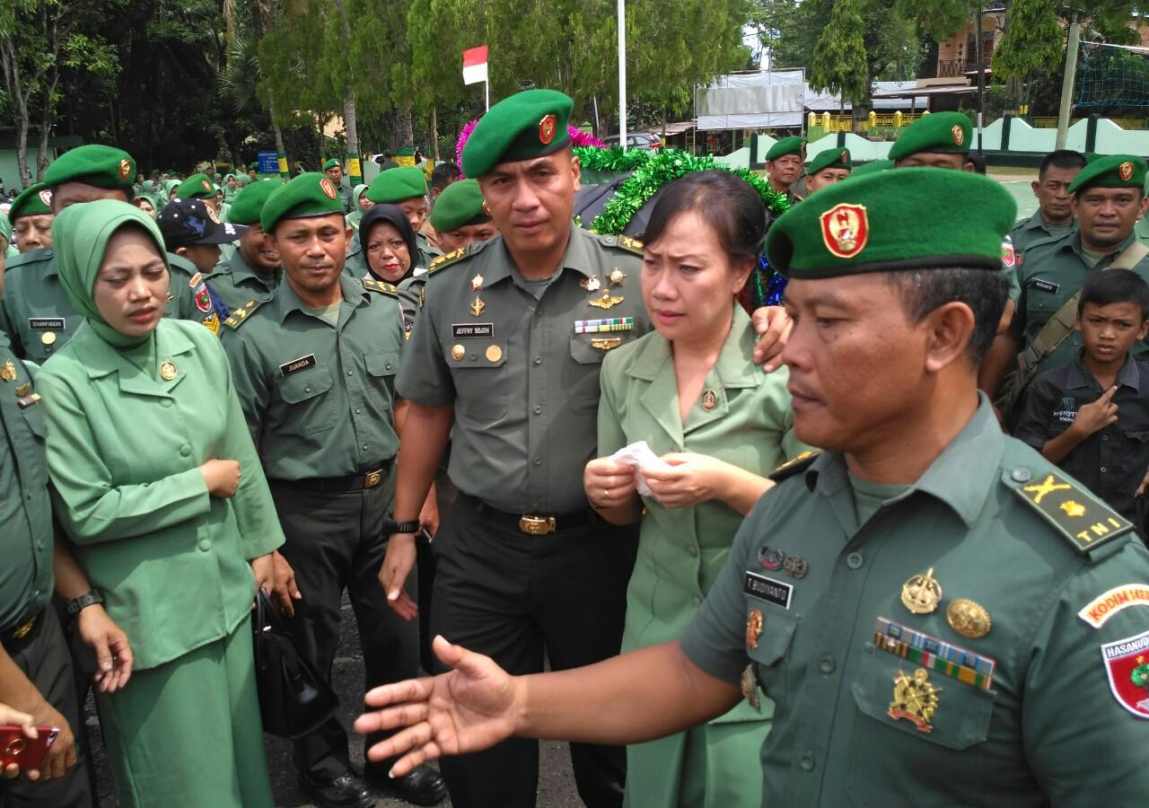 Lepas Kepergian Komandannya, 117 Tentara Di Soppeng Menangis