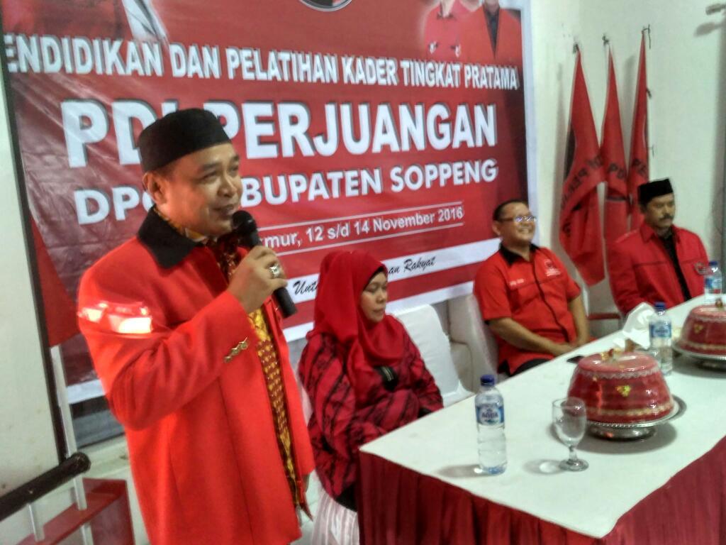DPD PDIP SulSel Mandatkan Supriansa Tutup Pelatihan Kader